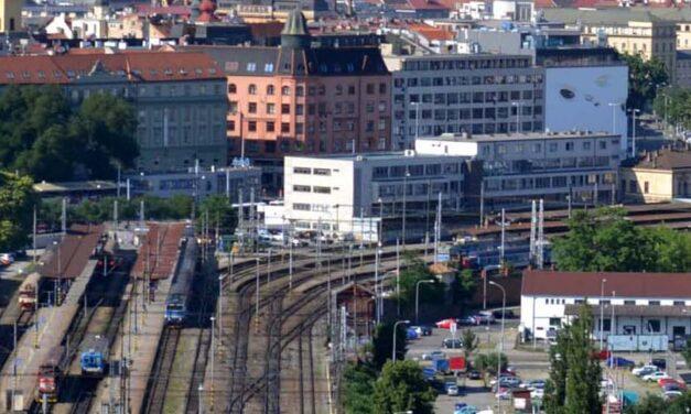 Porovnání varianty nového nádraží Řeka & Petrov 2014