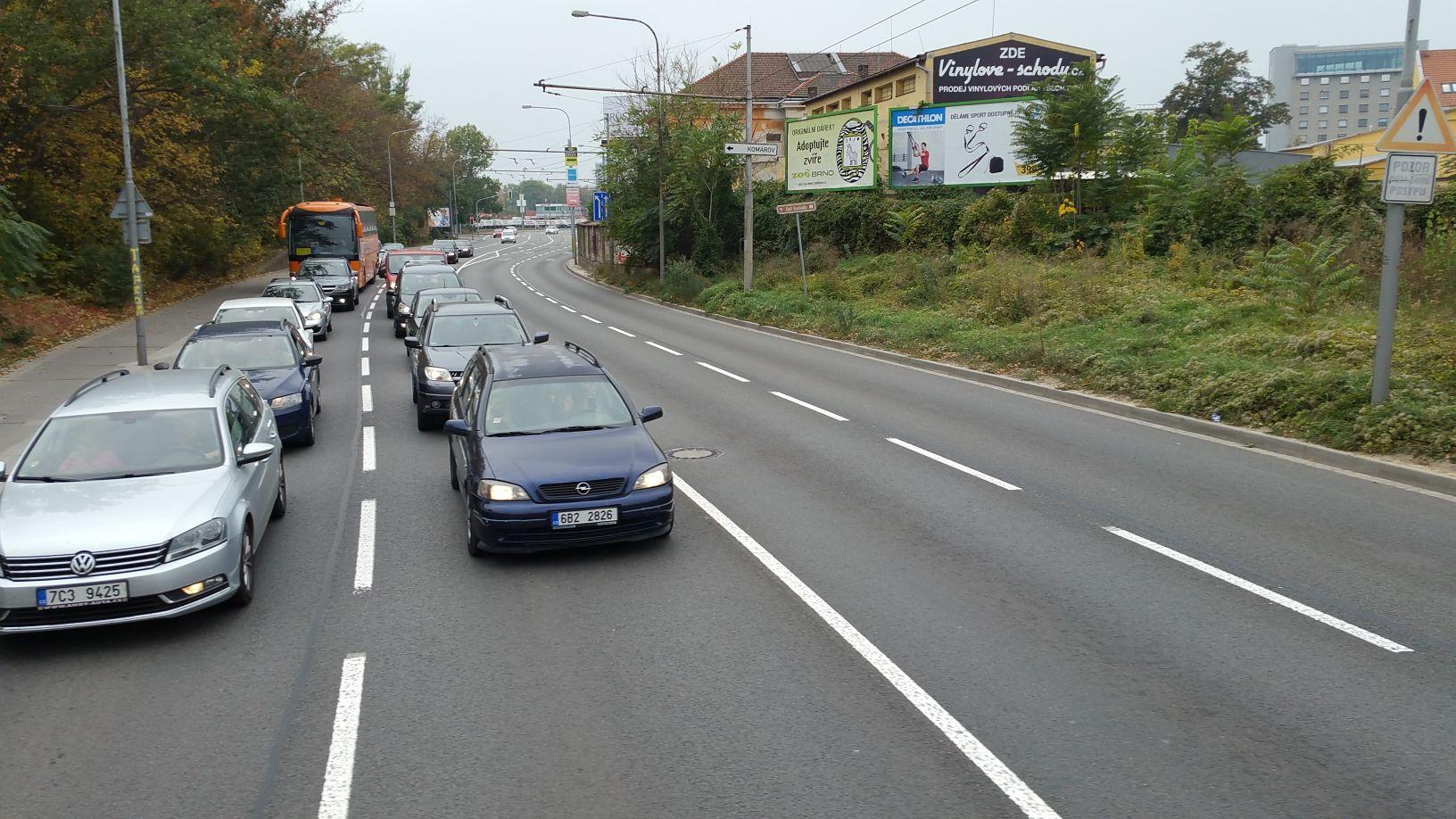 Přechod ulice Hladíková v Brně