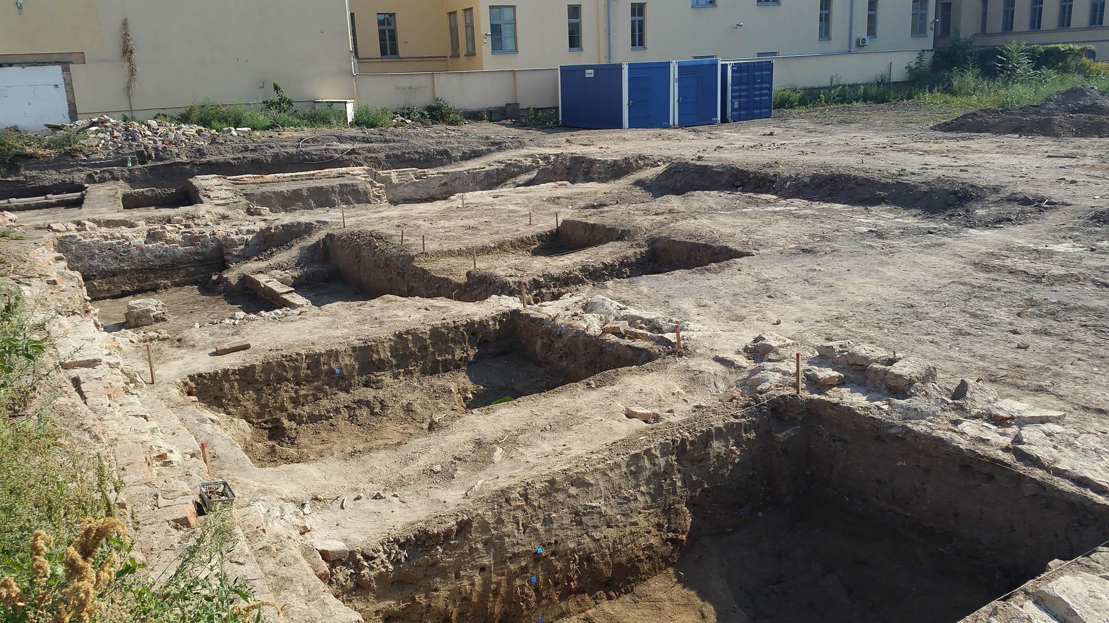 Archeologické objevy u ulice Trnitá, vedle Vaňkovky.