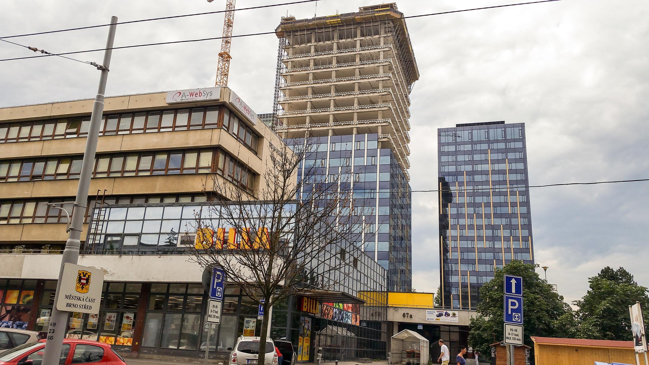 Rekonstrukce věžáků na Šumavské