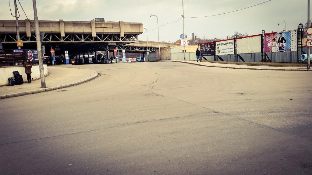 Výjezd z autobusového nádraží Zvonařka