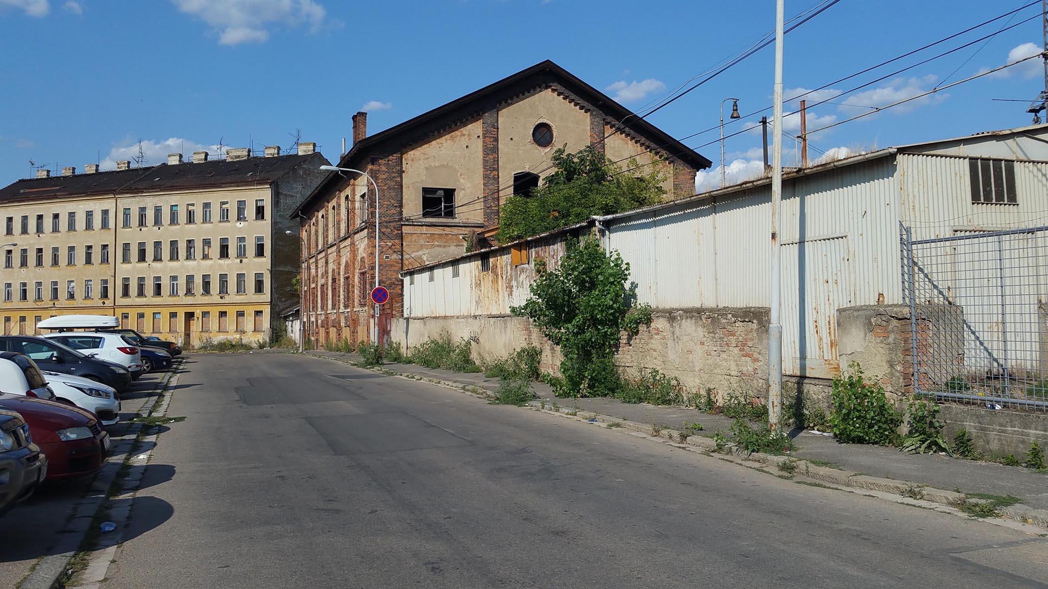 8.2018 Ulice Rosická - cesta od Dolního nádraží do města