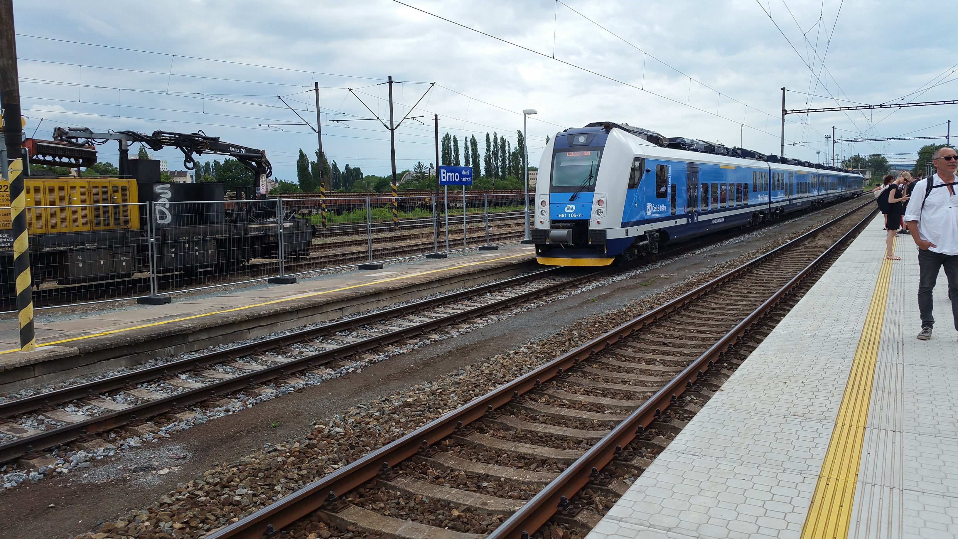 Vlak na 2.koleji, 2.nástupiště