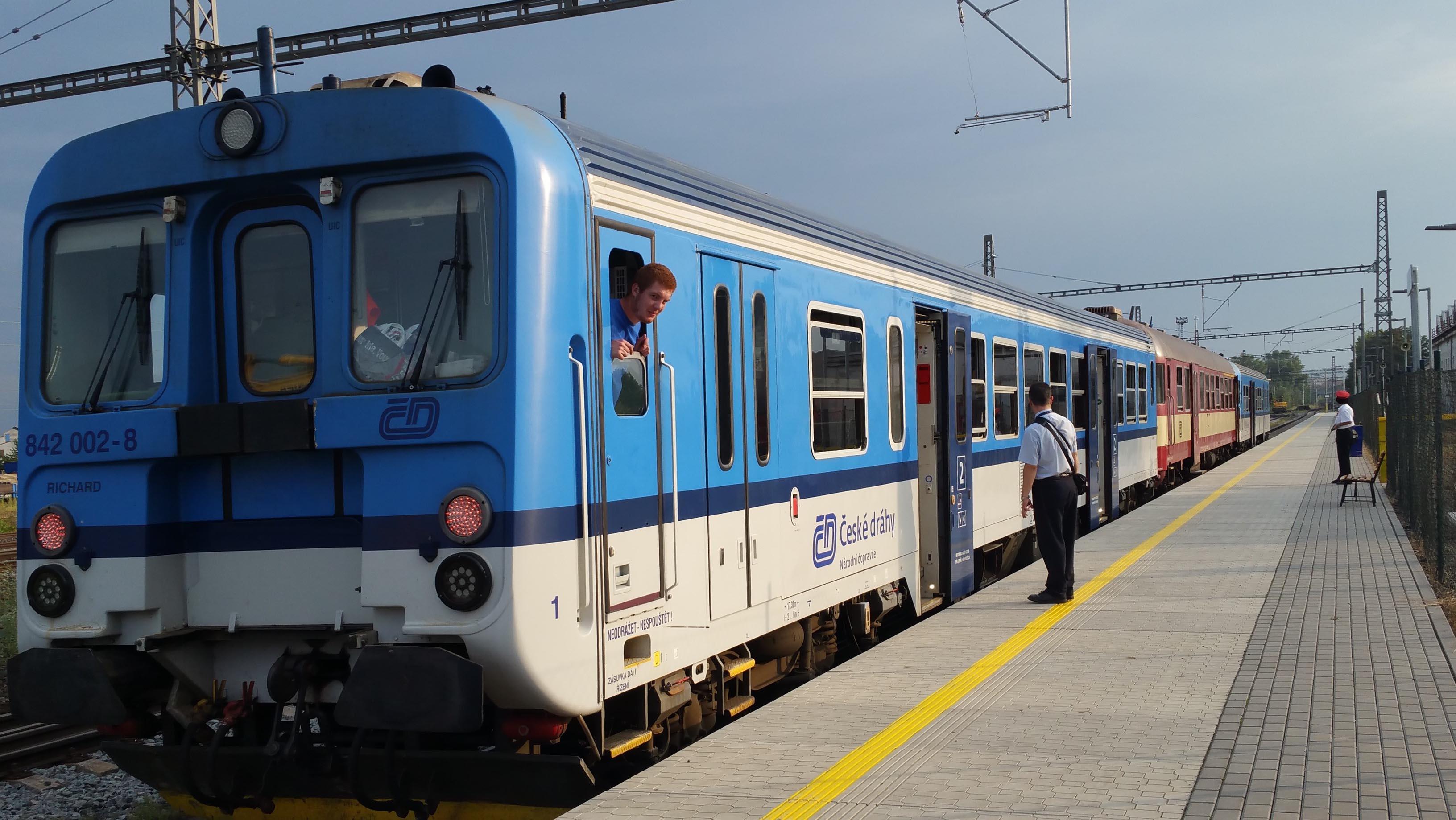 Za chvíli už odjíždí vlak do Ivančic