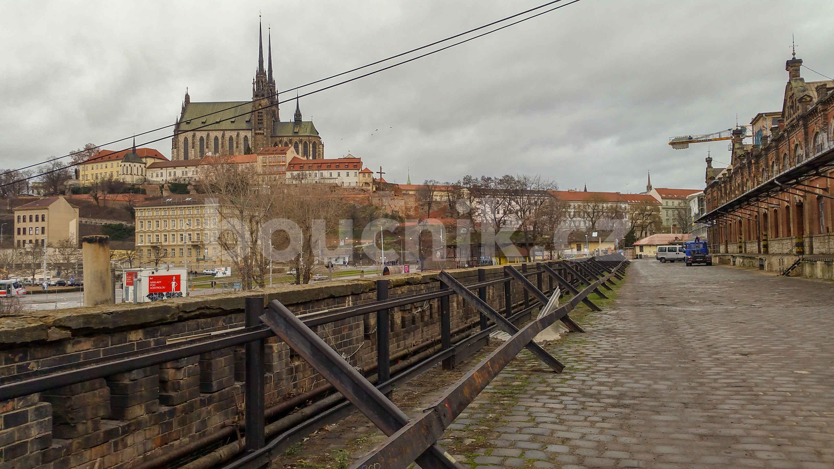 Malá Amerika v Brně u horního nádraží v Brně s Petrovem