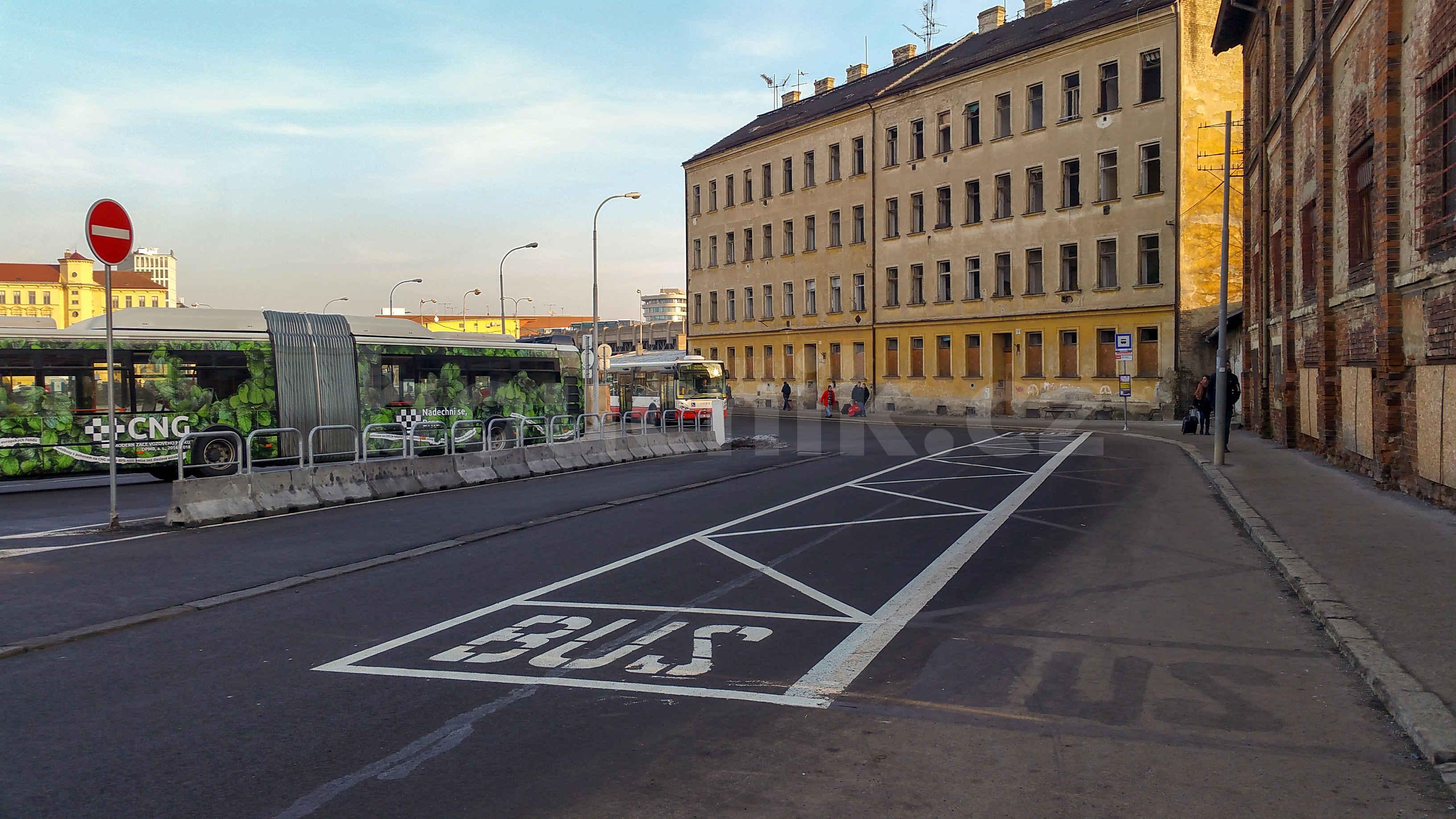 Nová autobusová zastávka u Dolního nádraží
