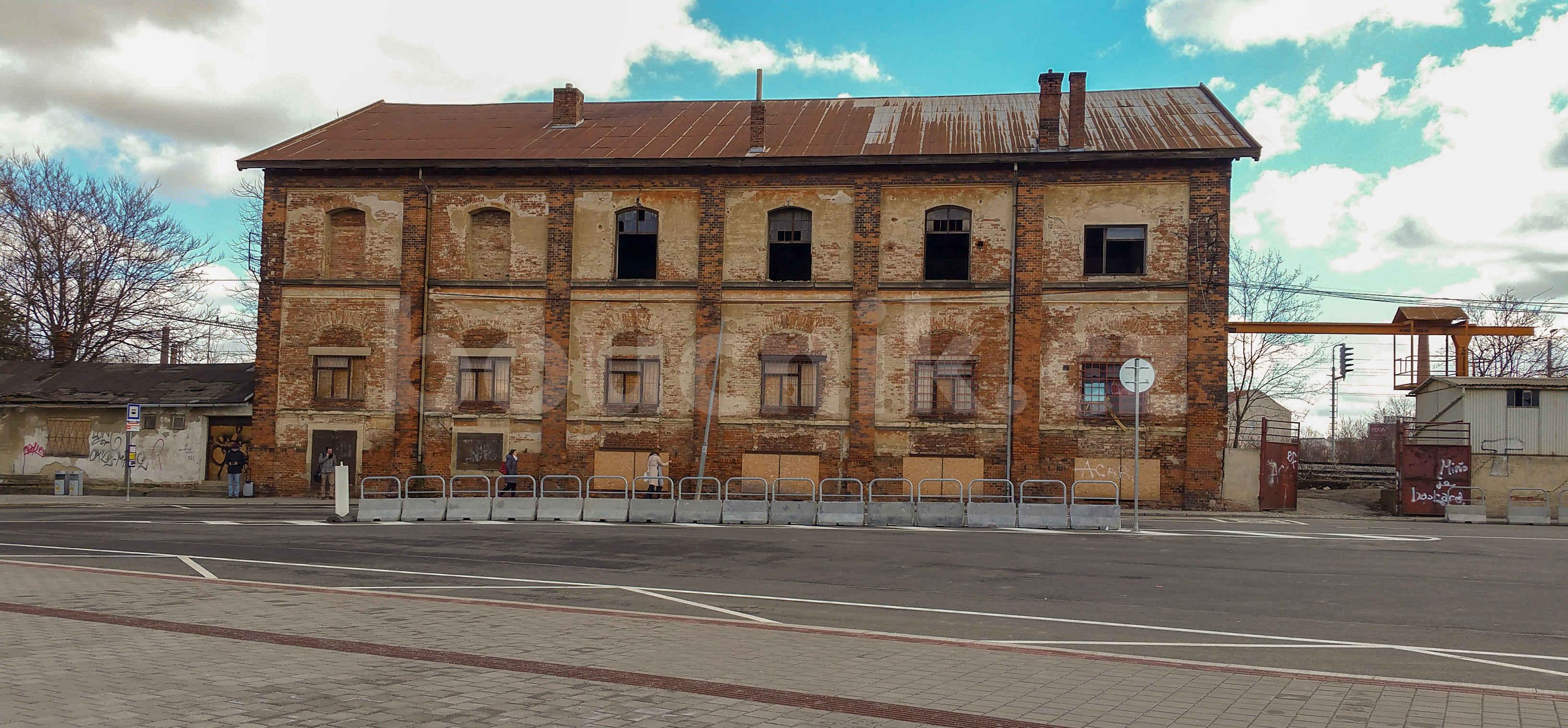 Cihlový skld na Dolním nádraží v Brně