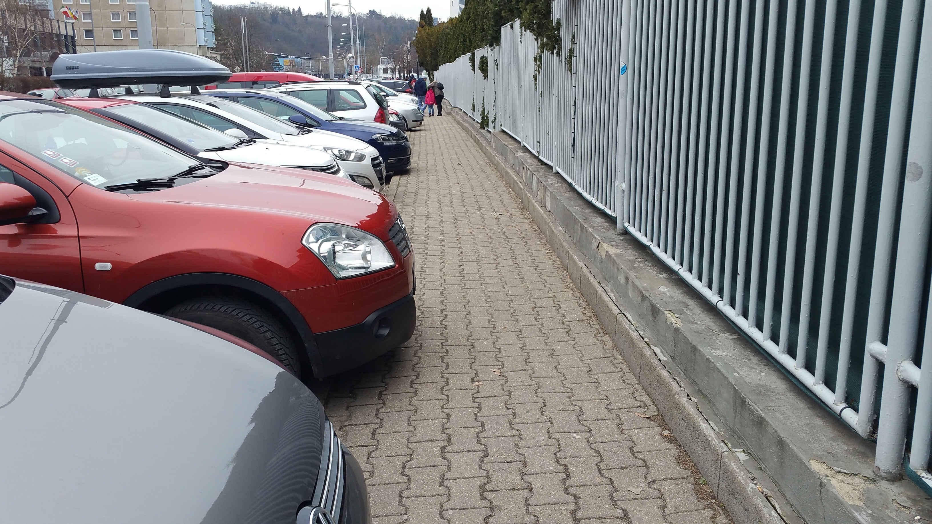 Parkování u VIDA centra, 2.2019