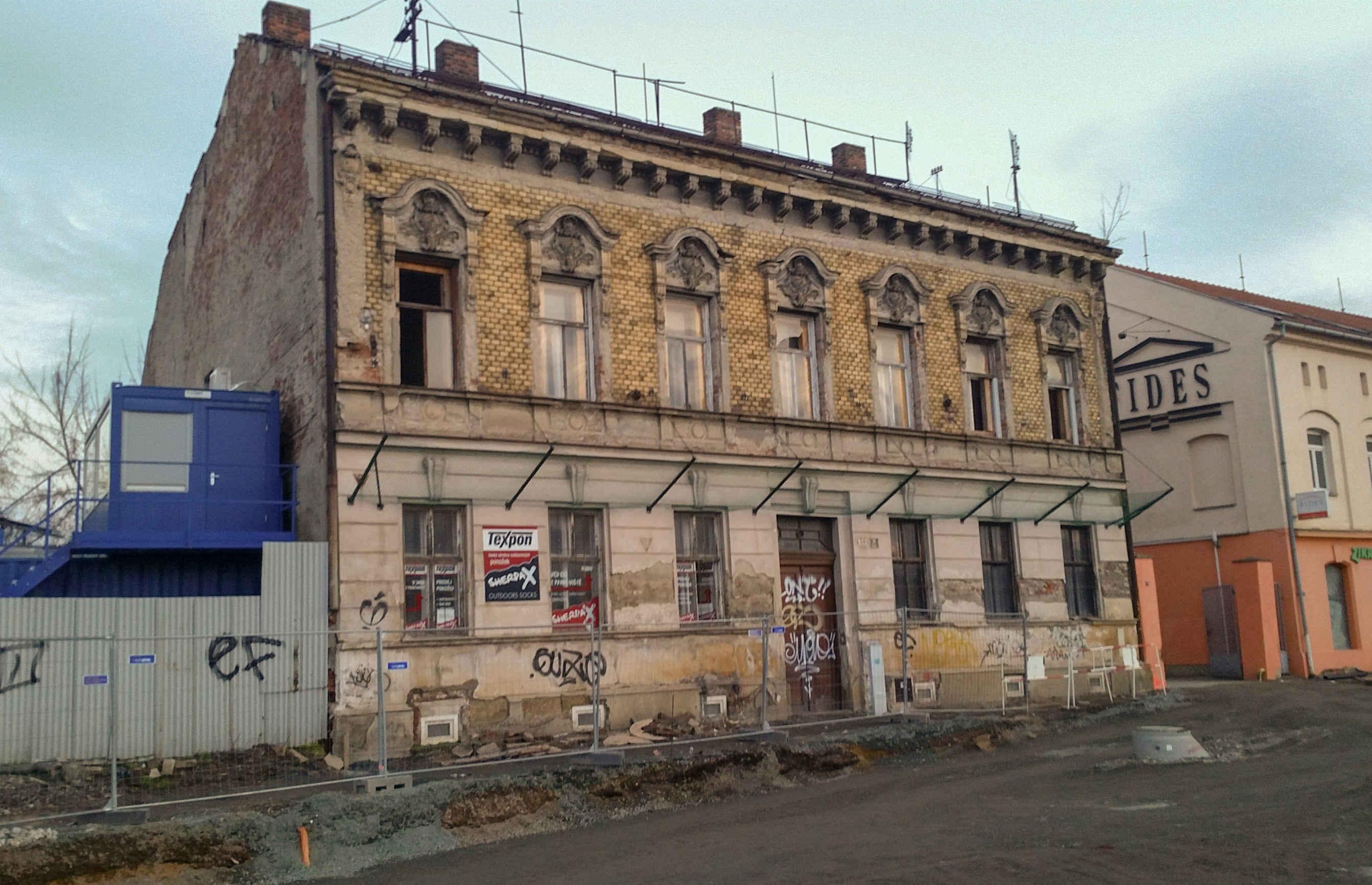 Dům v zatáčce na ulici Dornych