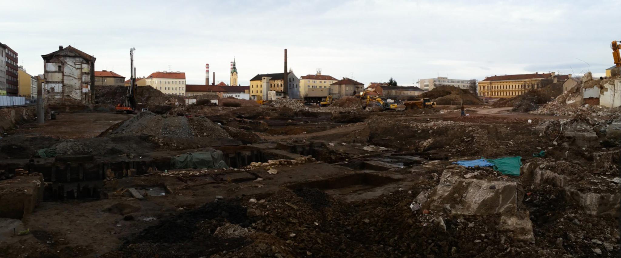 Vyčištěný pozemek Vlněny v březnu 2017
