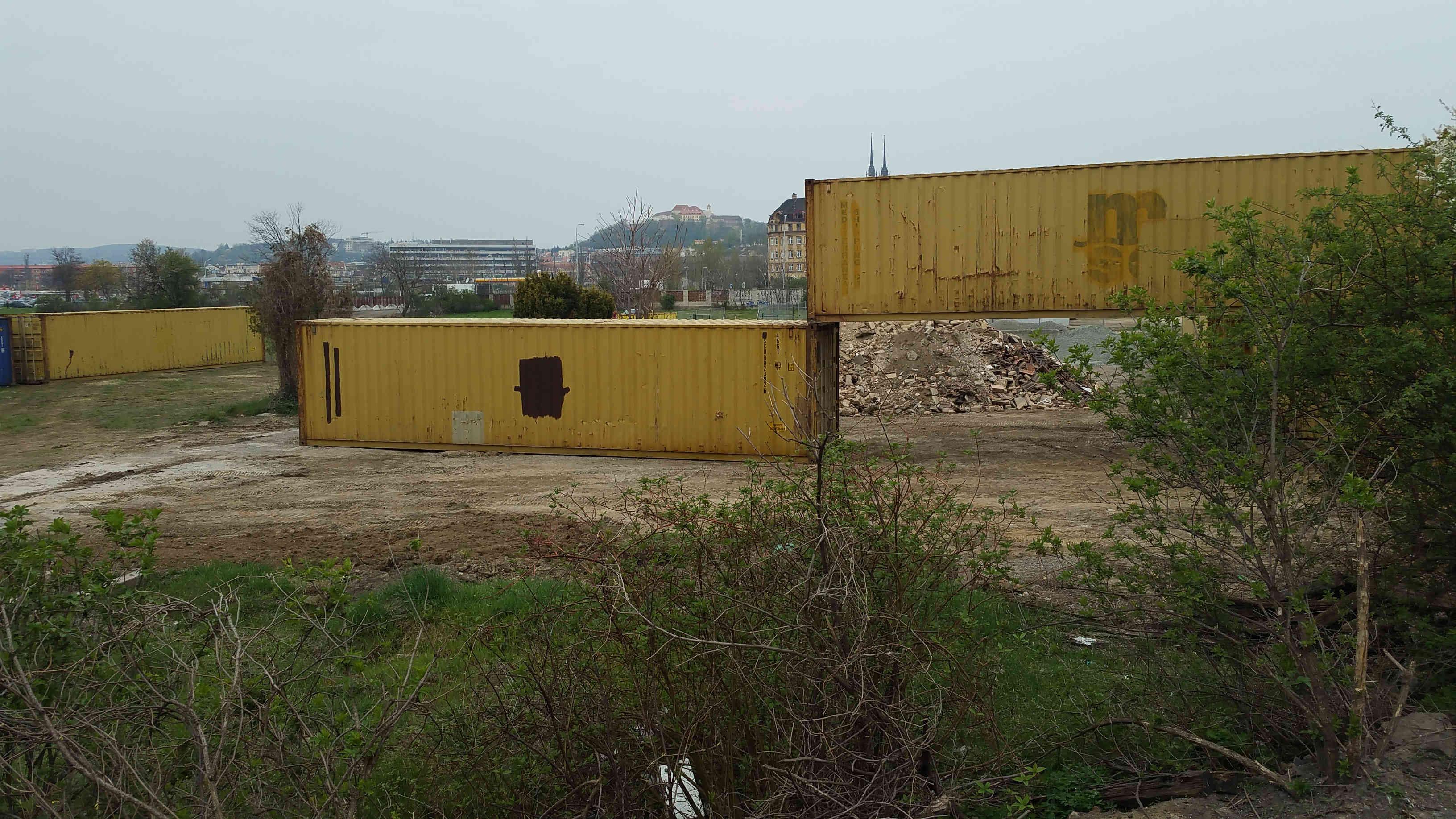 Podivné kontejnery v Brně