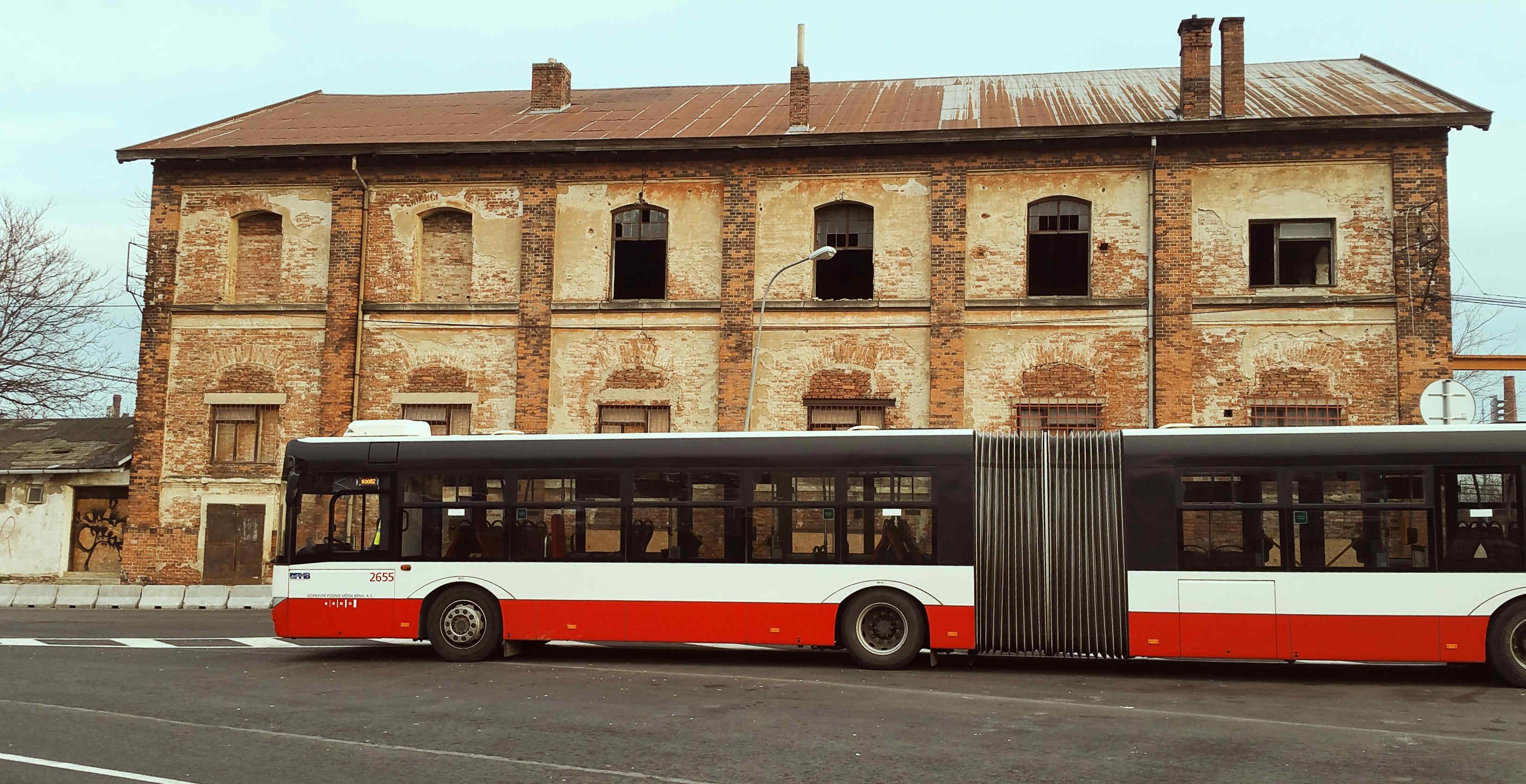 Zastávka náhradní dopravy Dolní nádraží