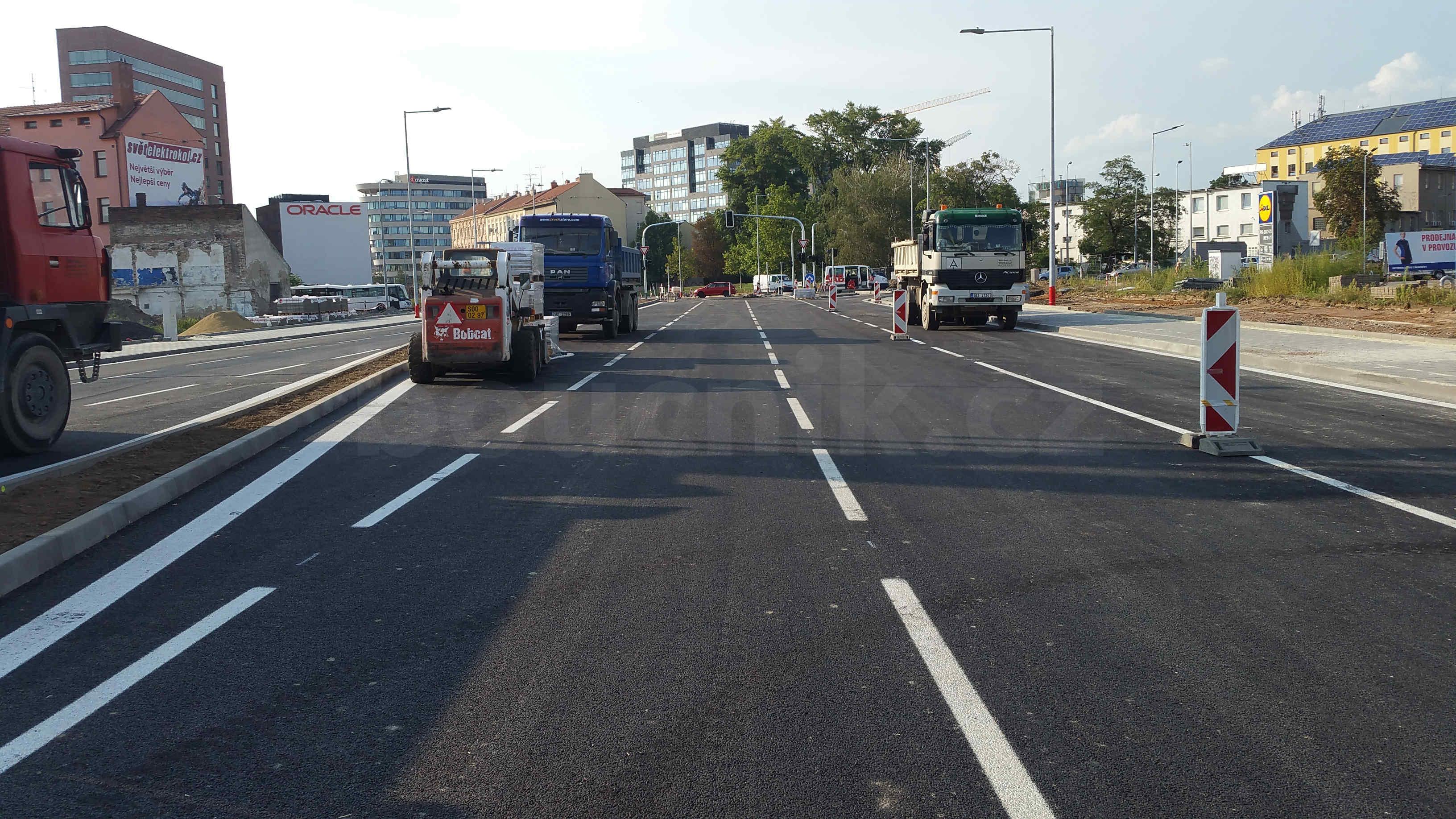 Rozšířená silnice na Dornychu těsně před dokončením
