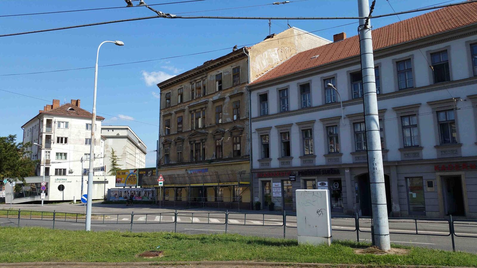 Mendlovo náměstí v Brně, demolice domu, rok 2019