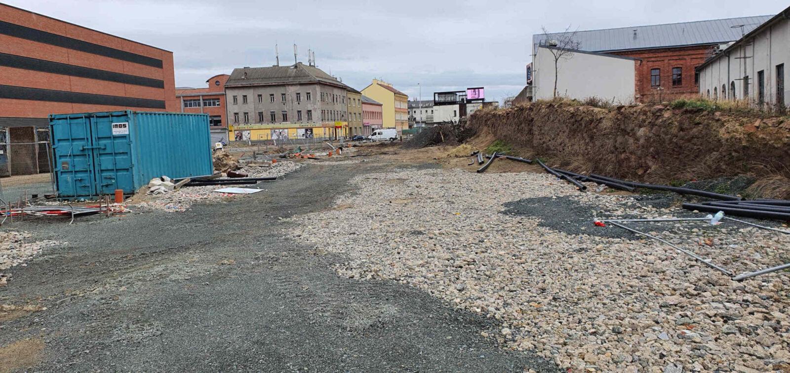 Železniční násep u Vaňkovky, únor 2020