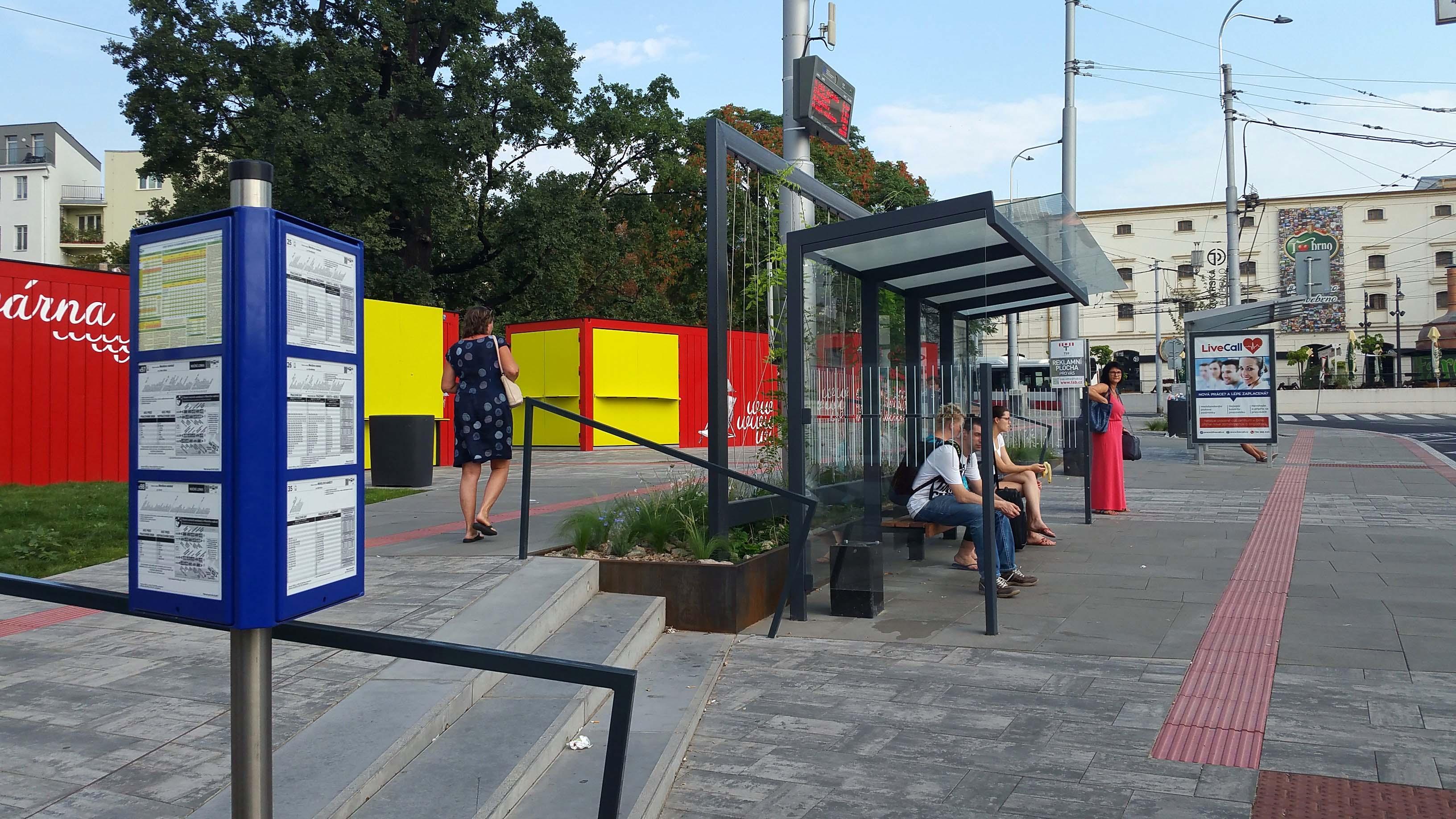Mendlovo náměstí a rekonstrukce zastávky trolejbusů a autobusů.