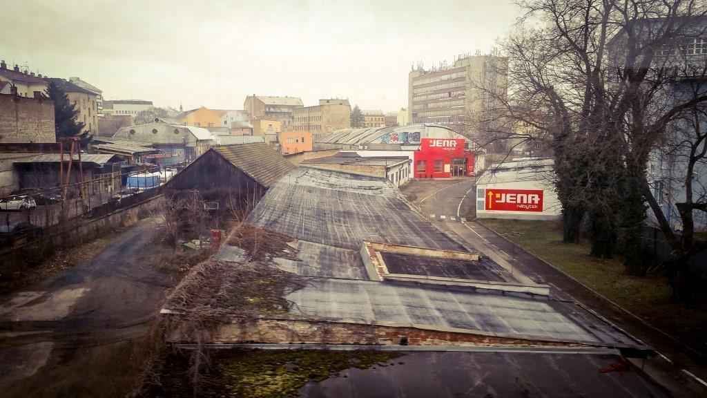Pohled z tzv. Pražského viaduktu na místo pro Novou městskou třídu.