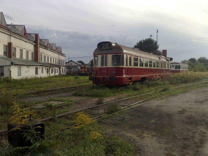 Veteráni na kolejích. Kolej vpravo vede až na brněnské výstaviště.
