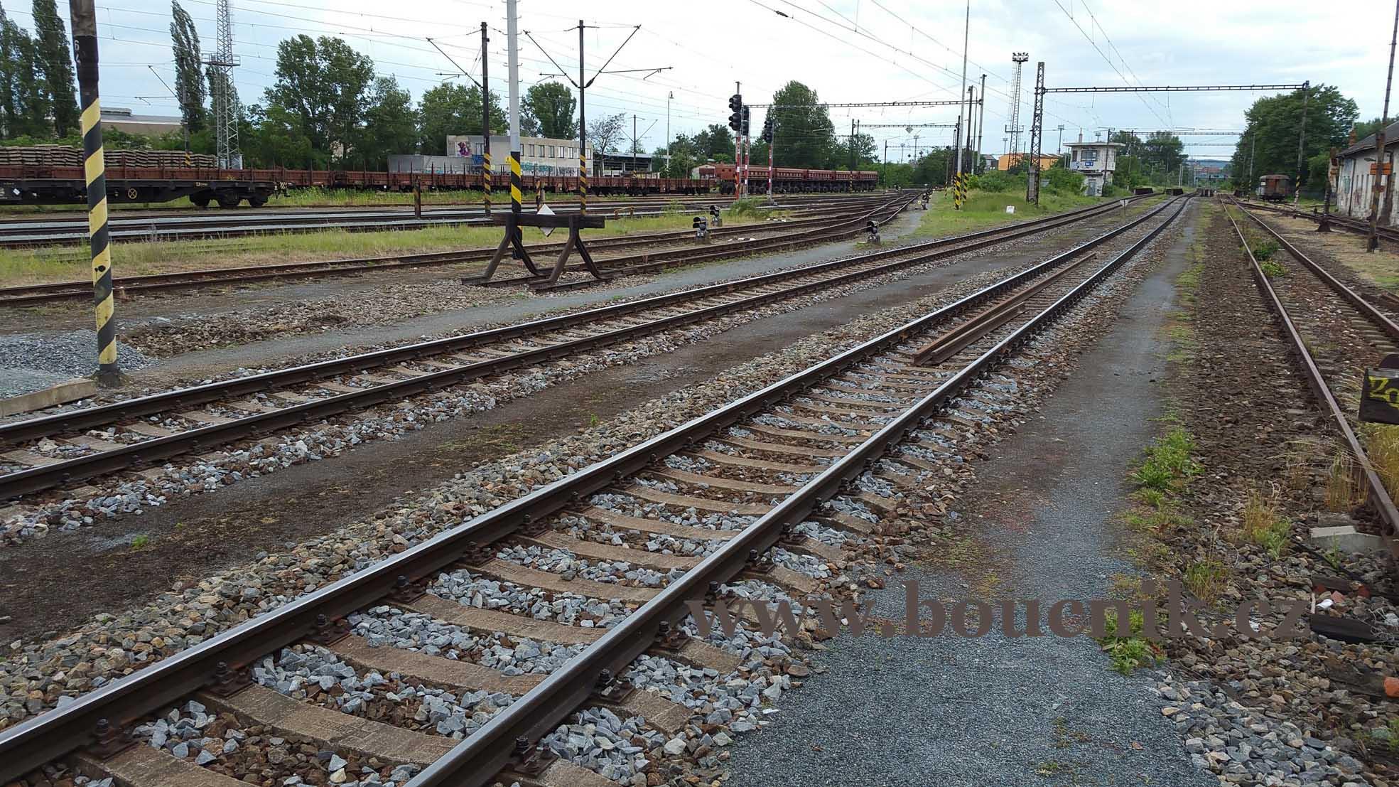 Výjezd z Dolního nádraží na Břeclav a Vídeň.