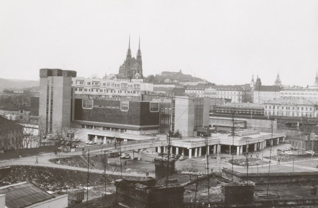 PRIOR u nádraží, Brno