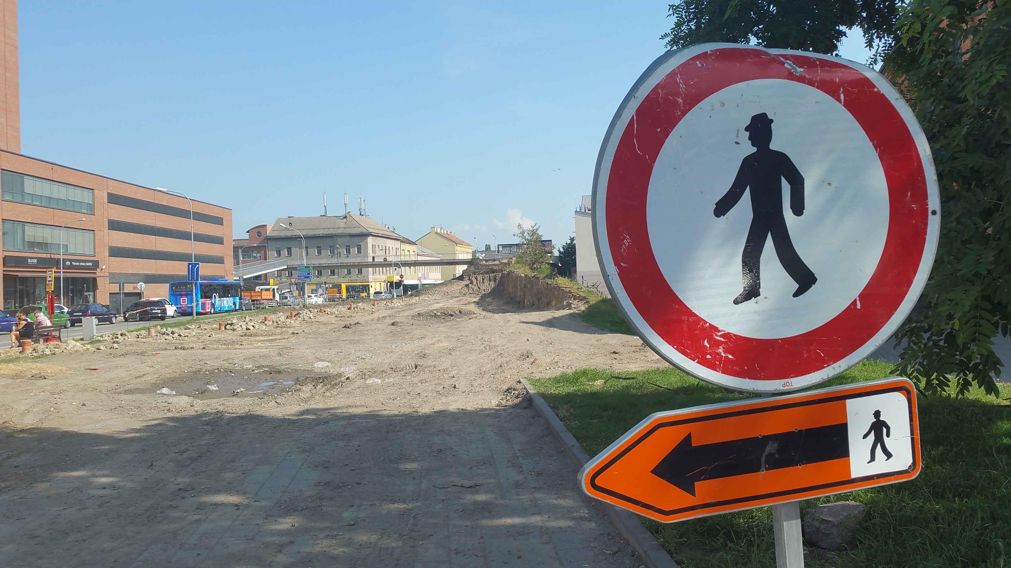 Železniční násep kolem Vaňkovky v Brně