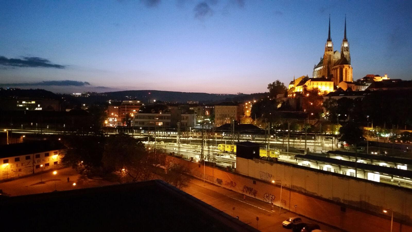 OD Prior a večerní výhled na horní nádraží a Petrov
