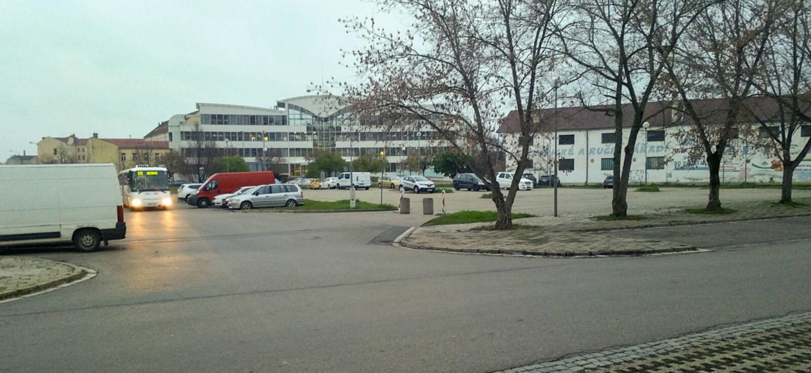 Parkoviště za OD Prior v Brně
