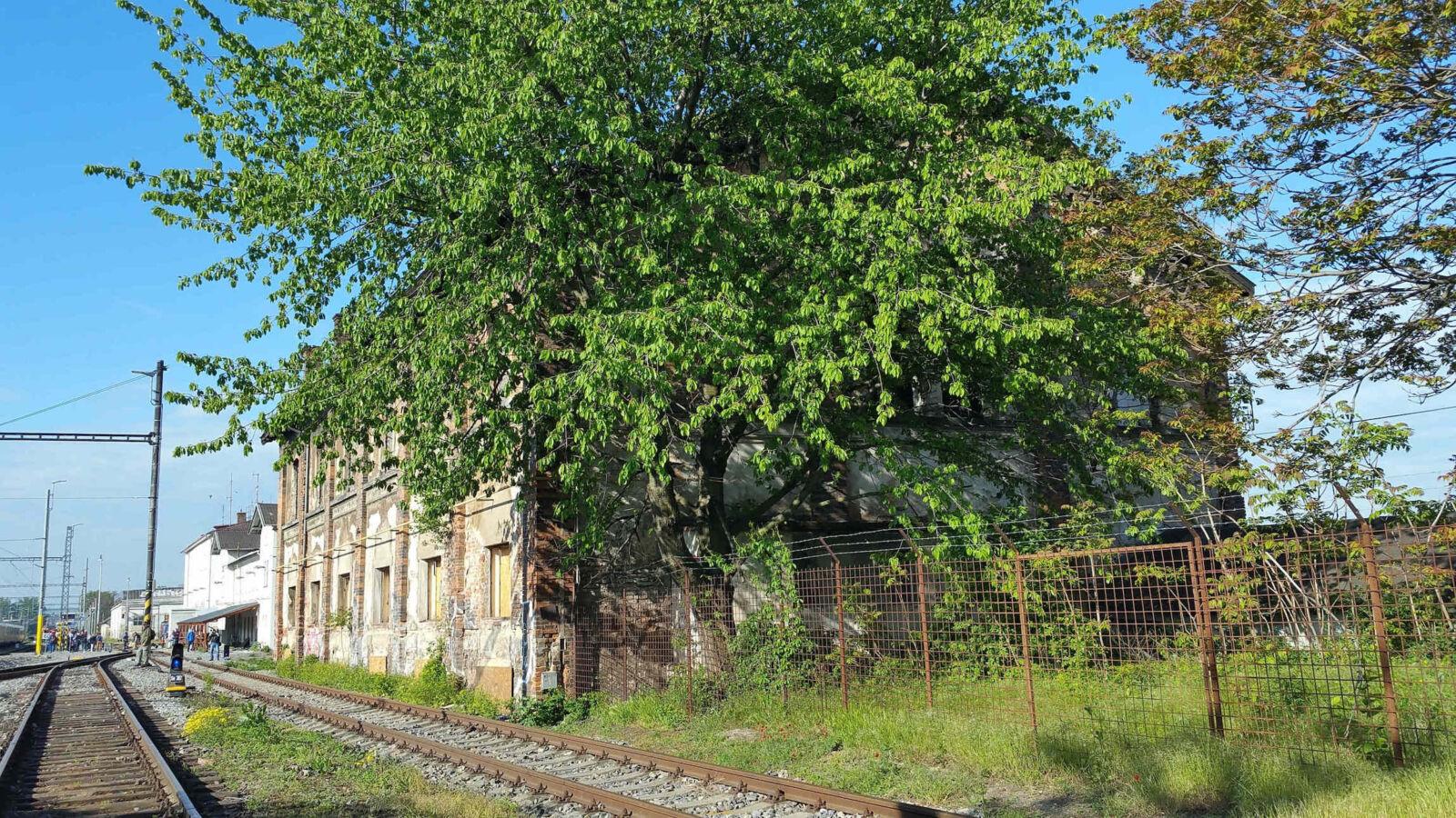 Dolní nádraží a odbočka na Horní nádraží