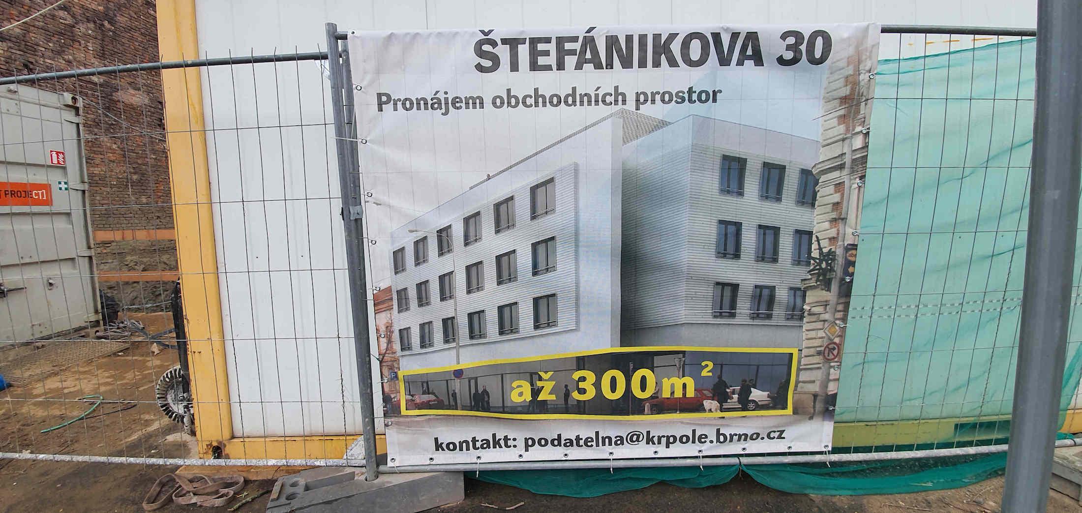 Polyfunkční dům na rohu ulic Rybníček a Štefánikova
