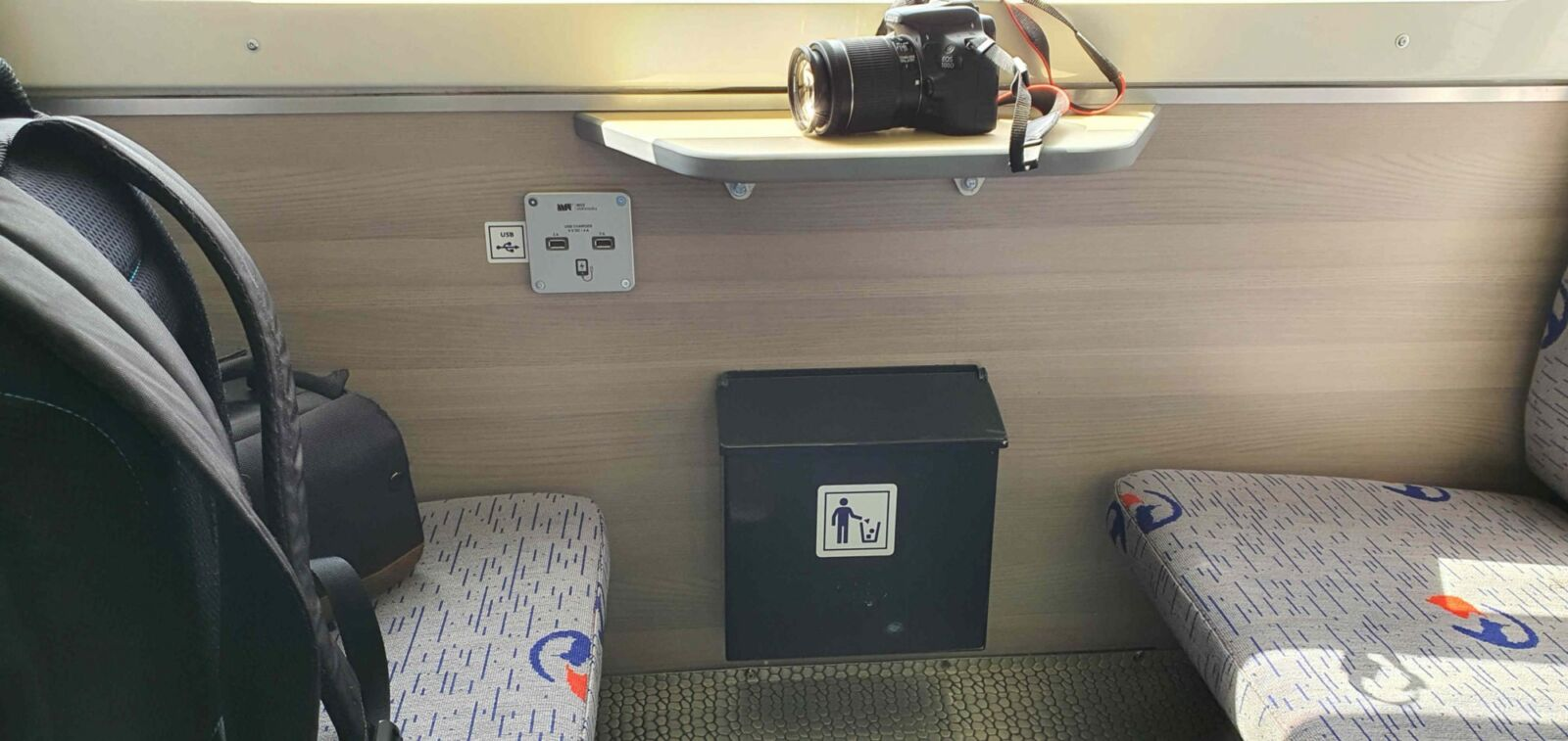 USB nabíječka ve vlaku BDtax 012