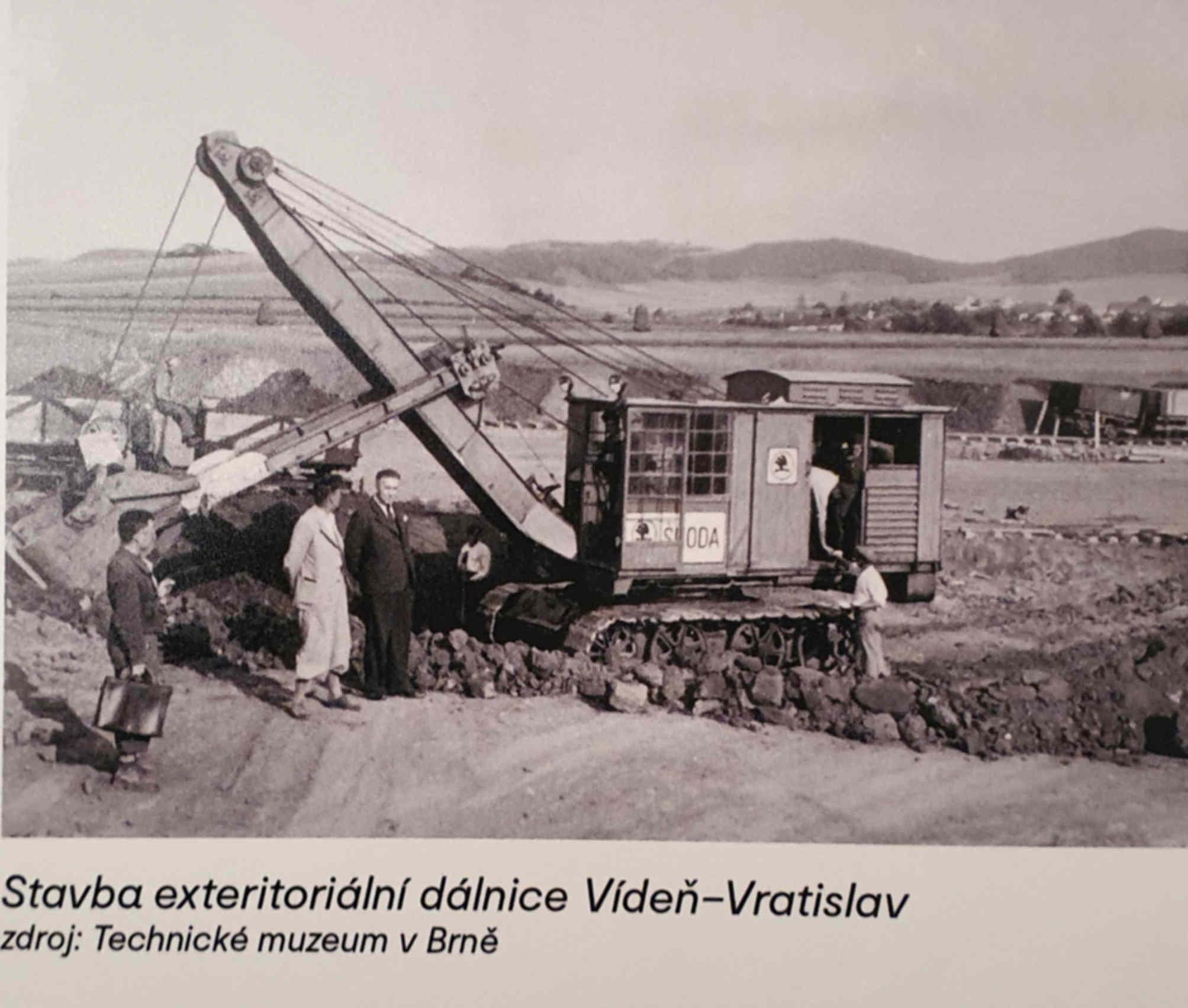 Rozestavěná dálnice DR43