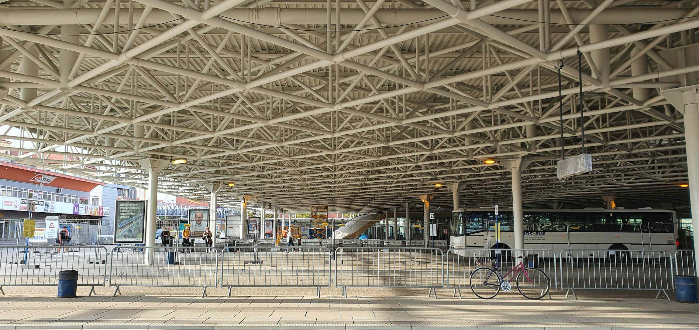 Autobusové nádraží Zvonařka v září 2020