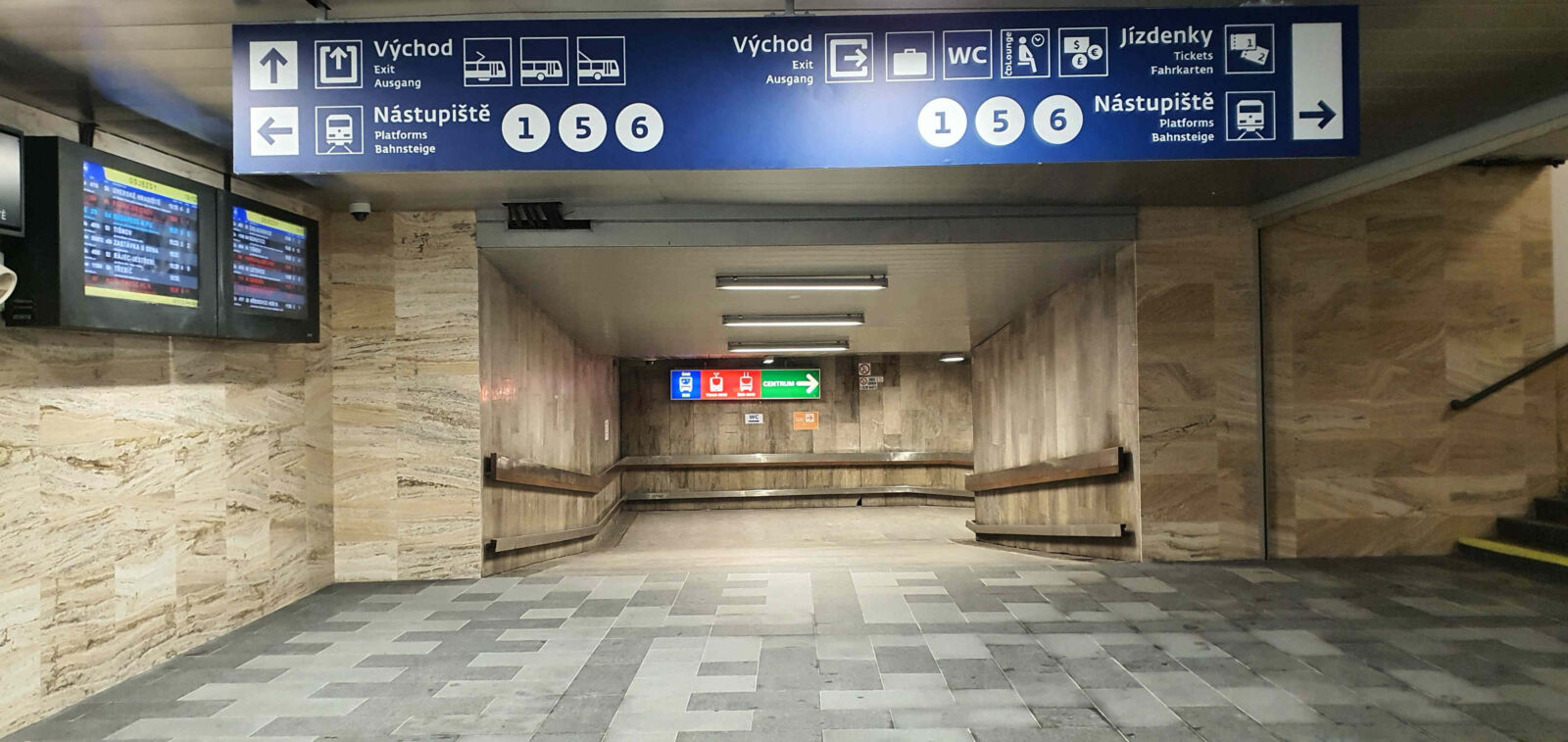 Pravý podchod pod brněnským hlavním nádražím