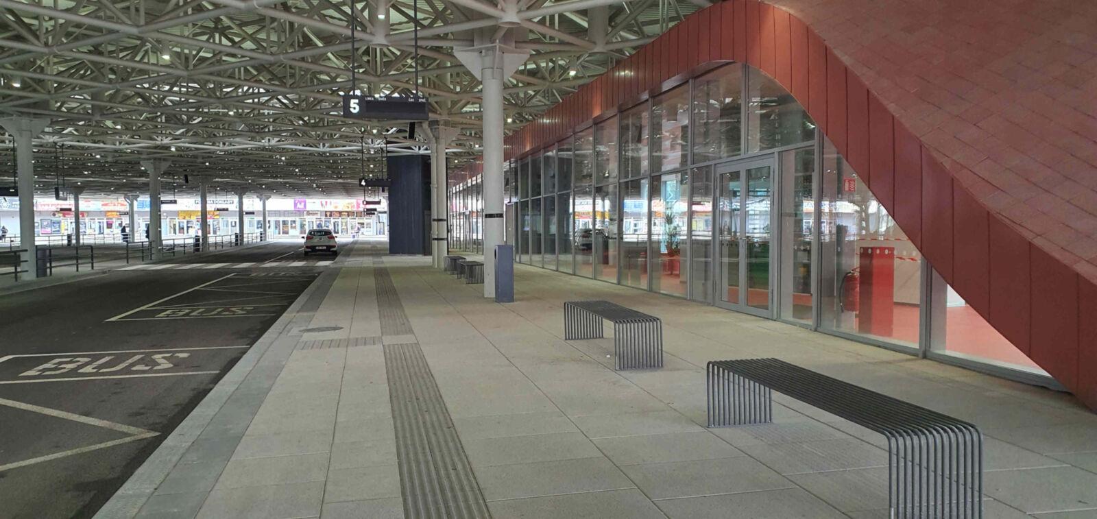 Čekárna na autobusovém nádraží Zvonařka v Brně