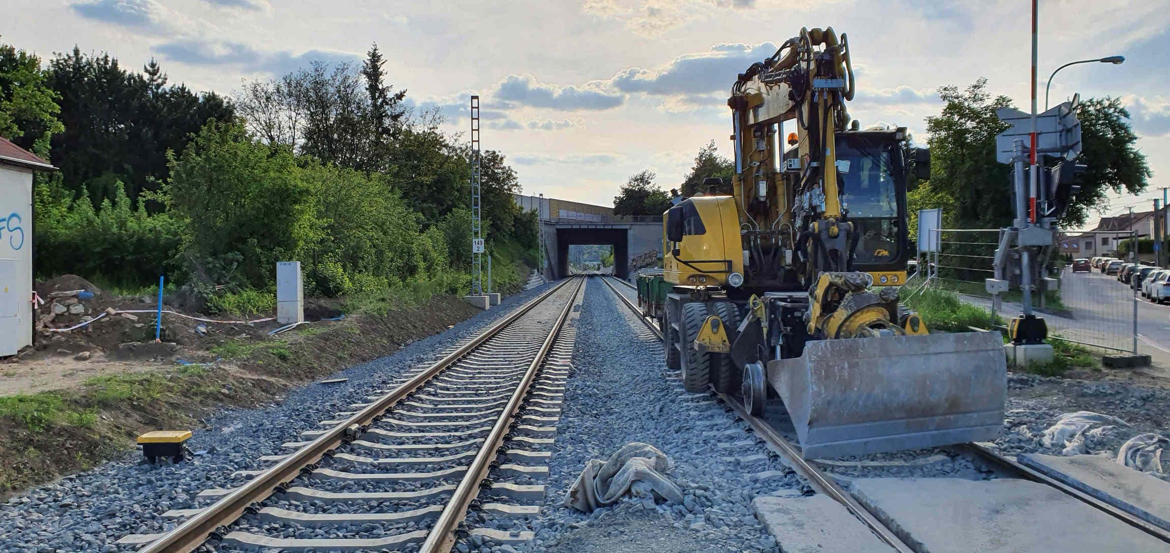 Železniční přejezd ve Starém Lískovci