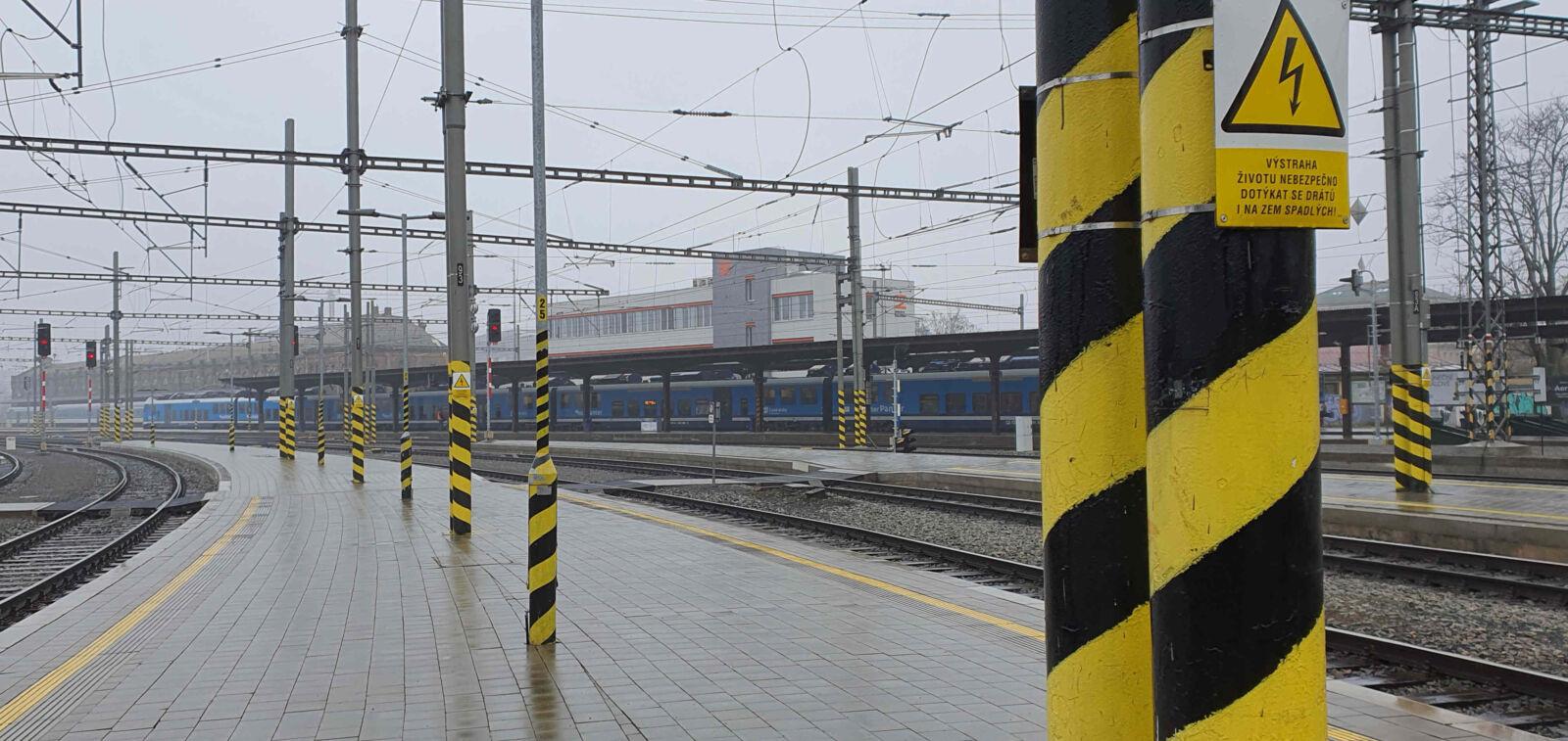 Zimní romantika na jižním zhlaví brněnského nádraží