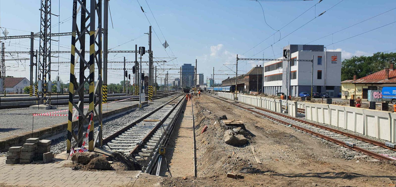 Rekonstrukce 5. a 6. nástupiště na brněnském hlavním nádraží, 2021v