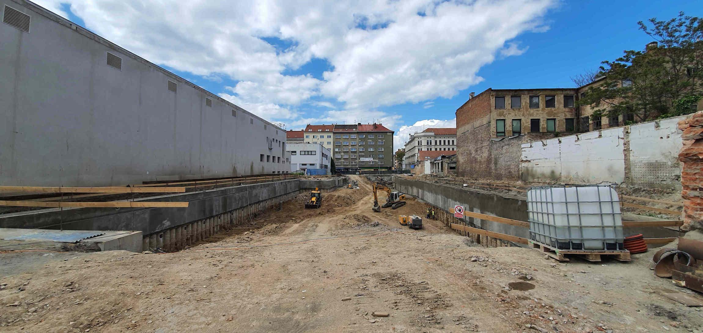 Výstavba mezi ulicemi Cejl a Francouzská v Brně, květen 2021
